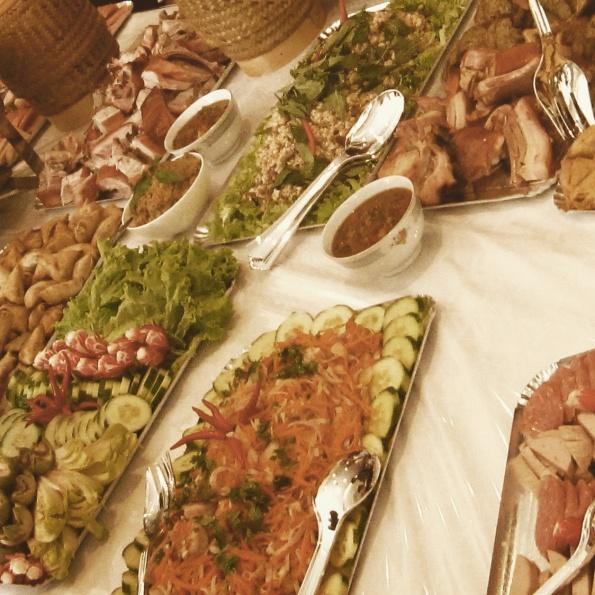 cuisine laotienne laap nems samossas panier laos