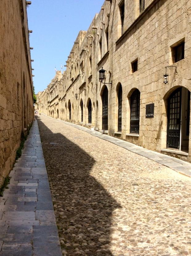 rues de la vieille ville de rhodes, dodécanèse, grece