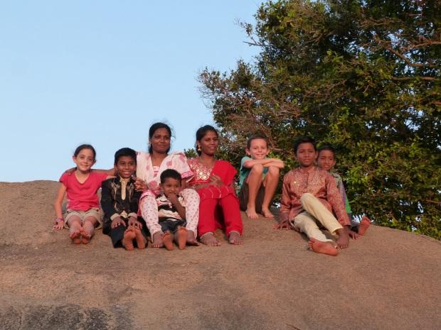 portraits groupe coucher de soleil Mamallapuram, Inde