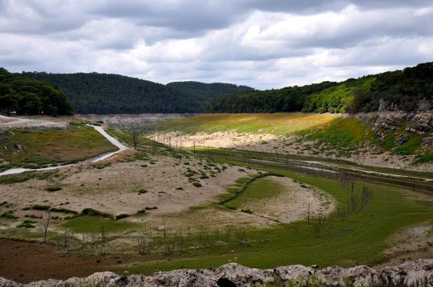 anse de guerledan - lac à sec sous le soleil breton