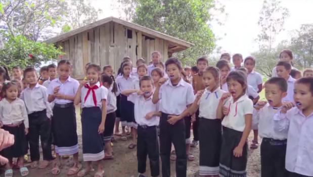 prévention bucco dentaire laos ecoles campagnes