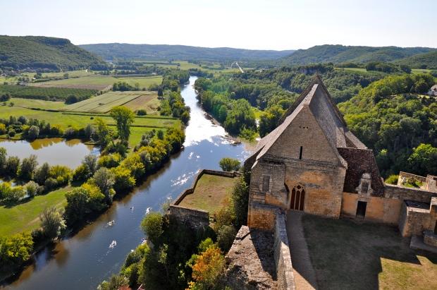 vue sur la rivière dordogne depuis le chateau de beynac