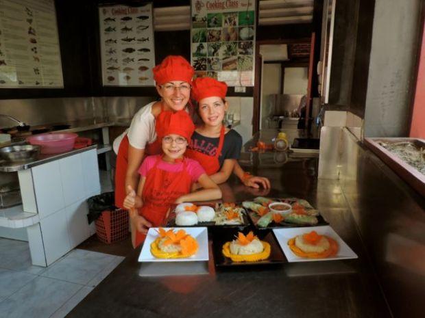 Cours de cuisine en famille, Cambodge