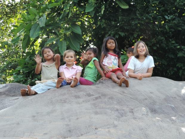 enfants de la Communauté Shiripuno, Amazonie, Equateur
