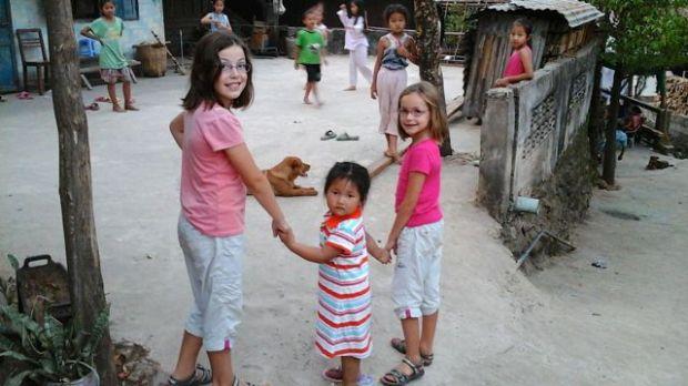fillettes, Muang Khoua, Laos