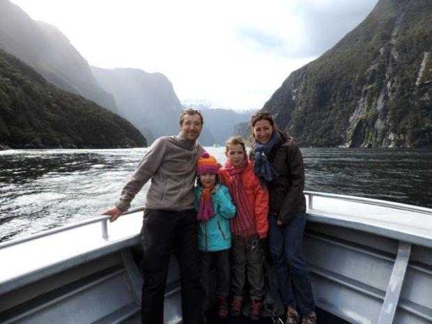 famille sur un bateau en Nouvelle Zélande, froid