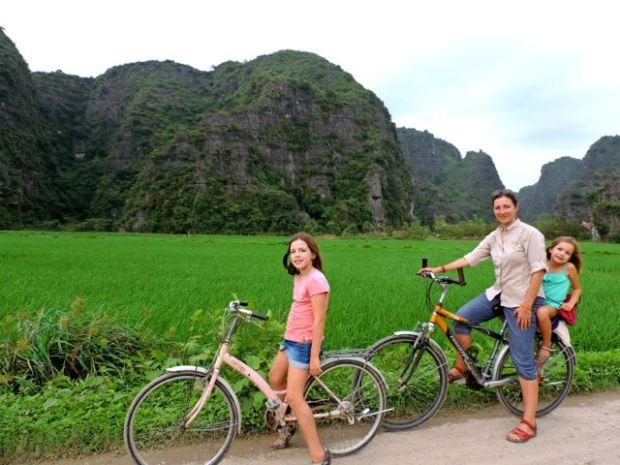 Ballade à vélos en famille dans les rizières, Vietnam