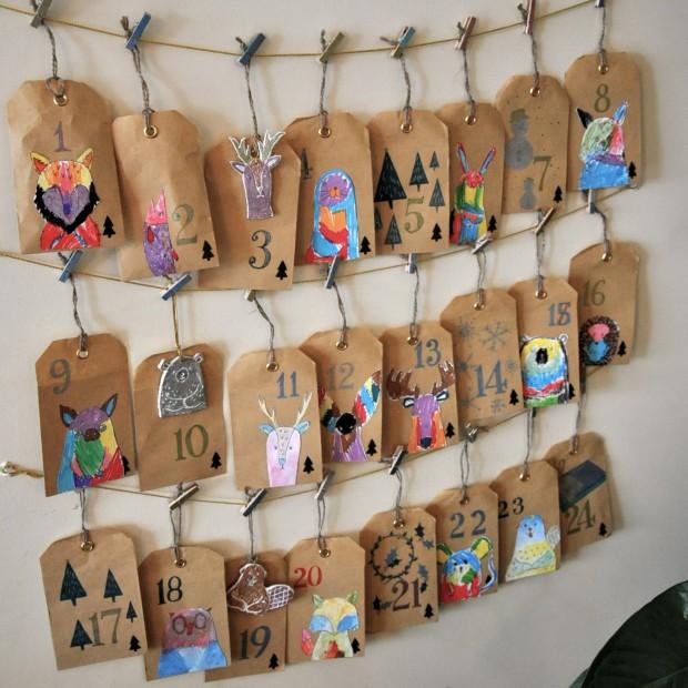 calendrier de l'avent fait main pour les enfants avec sachets en papier et animaux de la foret scandinave