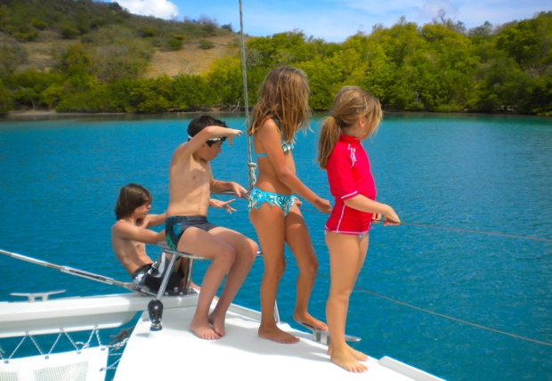 4 enfants catamaran antilles martinique