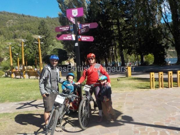 famille en vélo en argentine