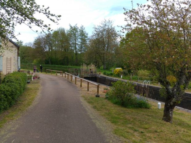 maison ecluse canal