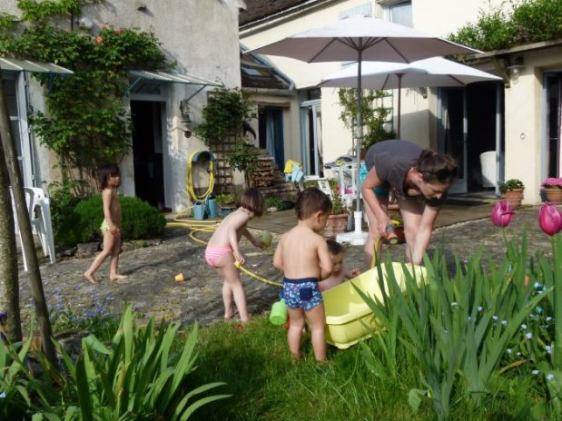 jeux d'eau dans le jardin du clos de lucy chambre d'hôte lucy sur yonne bourgogne