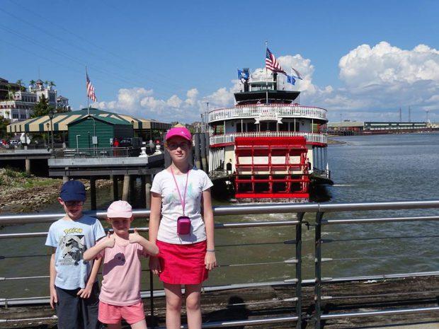 La Nouvelle-Orléans bateau roue à aube avec des enfants
