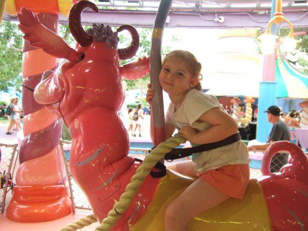 Orlando - Universal Studios, petite fille sur un manège