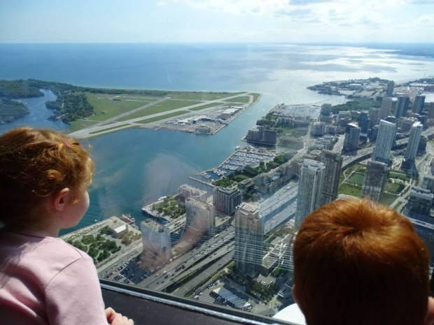 visite Toronto en famille - vue du sommet Tour CN