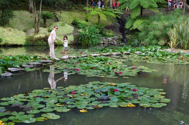 parque botanico terra nostra banho termal sao miguel acores