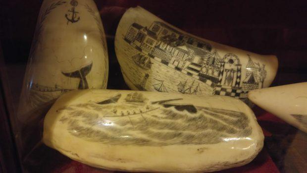 musee dents de cachalots horta faial acores scrimshaw