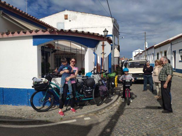 rencontres villages alentejo Portugal voyage a velo avec des enfants