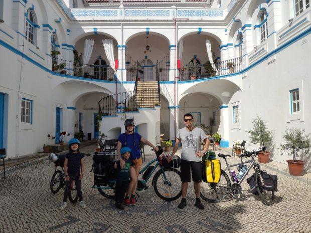 voyage a velo alentejo Portugal nature avec des enfants hotel de Moura