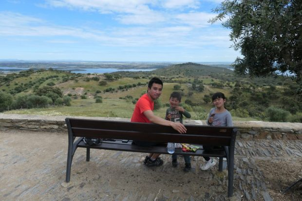 Monsaraz - voyage a velo alentejo Portugal avec des enfants lac alqueva