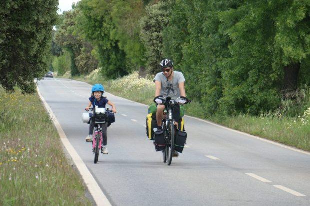 voyage a velo alentejo Portugal nature avec des enfants 4 et 7 ans