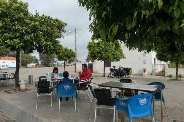 Alentejo / Beja - Mertola en velo avec des enfants Portugal restaurants